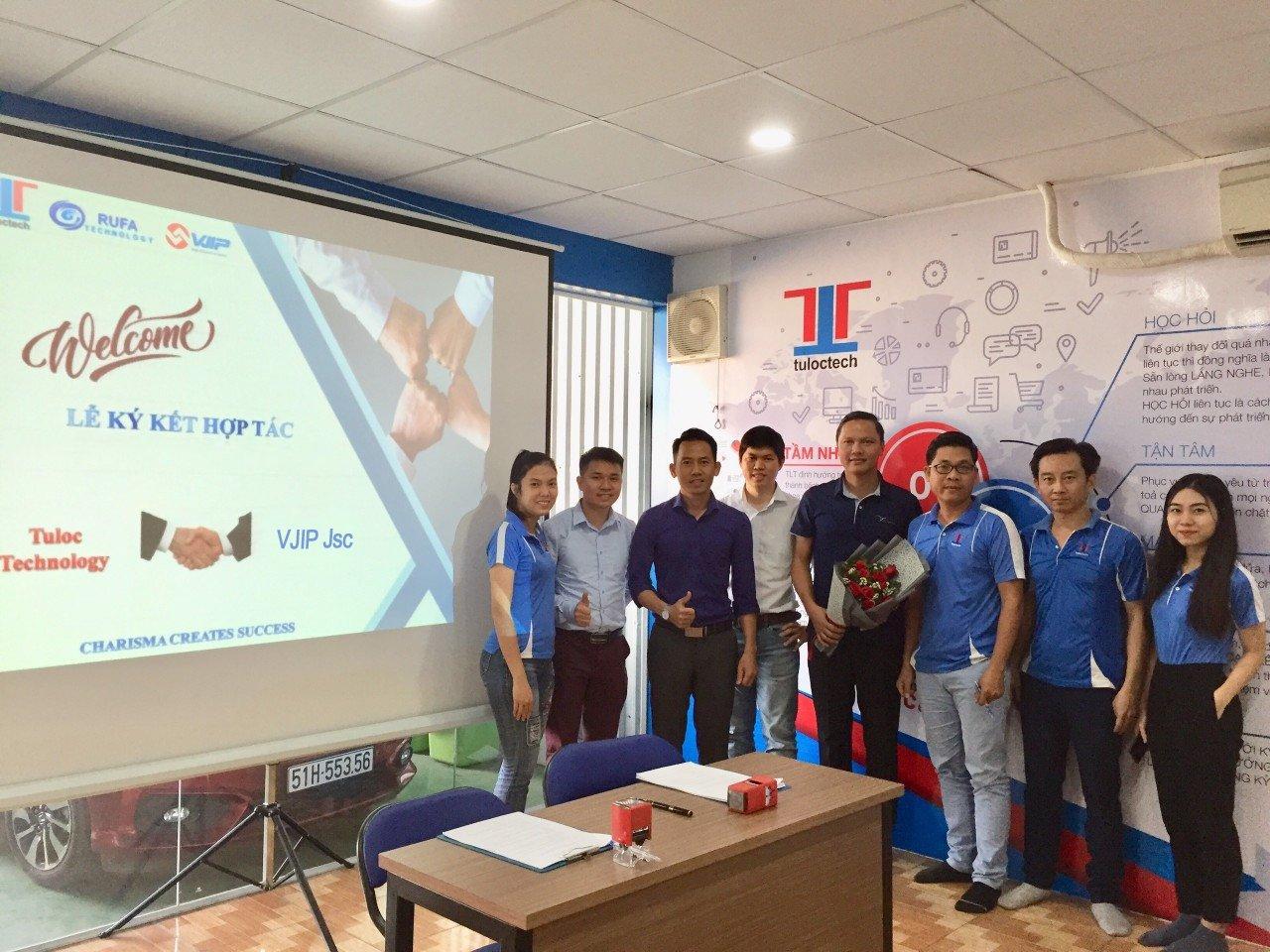 Lễ ký kết hợp tác giữa TLT - VJIP